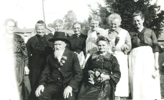 0000017 - Gutzwiller Emil and women